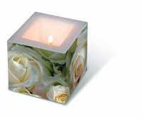 Candles White roses